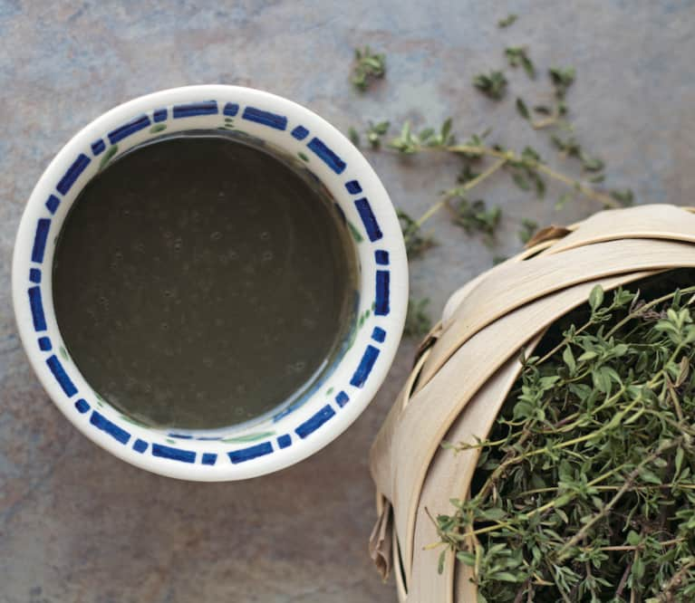 A Thyme & Honey Mask To Heal Irritated Or Blemished Skin
