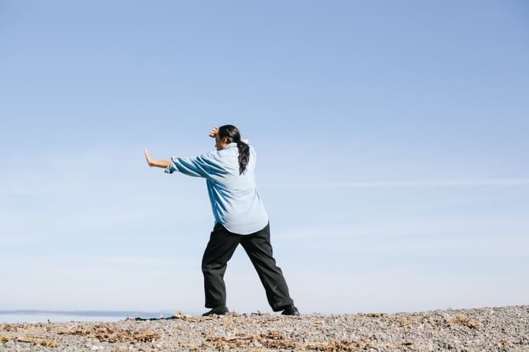 3 Beginner Tai Chi Movements To Help Approach Every Day With More Ease