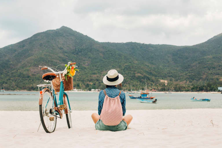 5 Health-Boosting Items A Doctor Always Brings On Vacation
