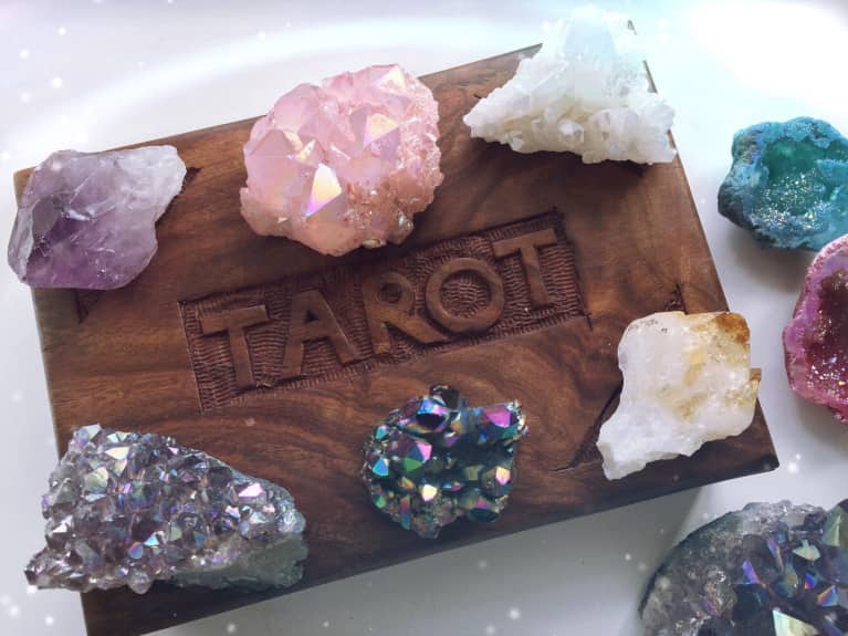 Here's 3 Ways Crystals Can Detox Your Beauty Routine