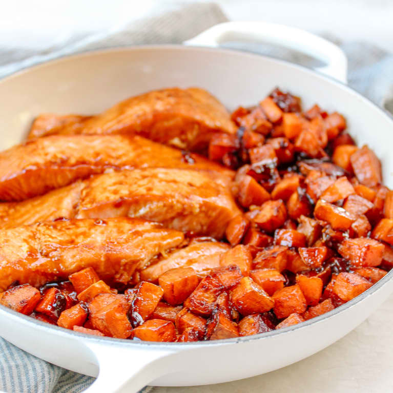 This One-Skillet Dinner Has Nutrient-Dense Sweet Potatoes & Salmon