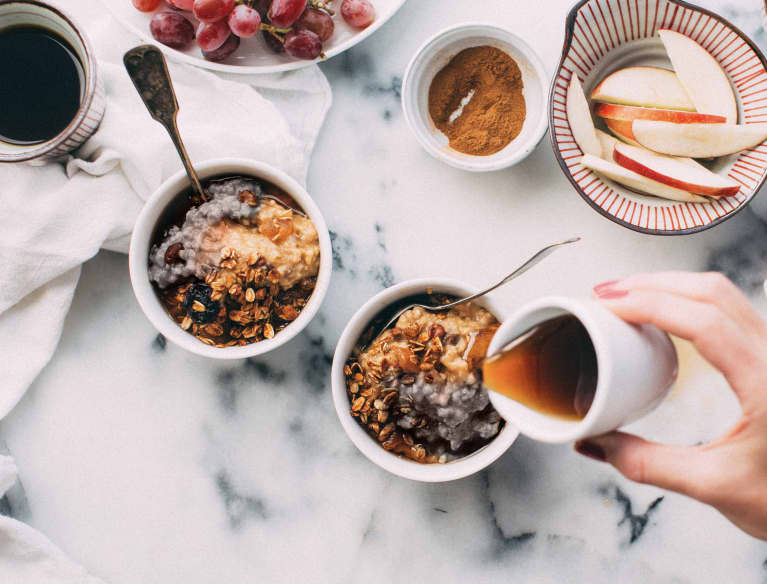 Have A Healthy Halloween With This Black & Orange Oatmeal Breakfast