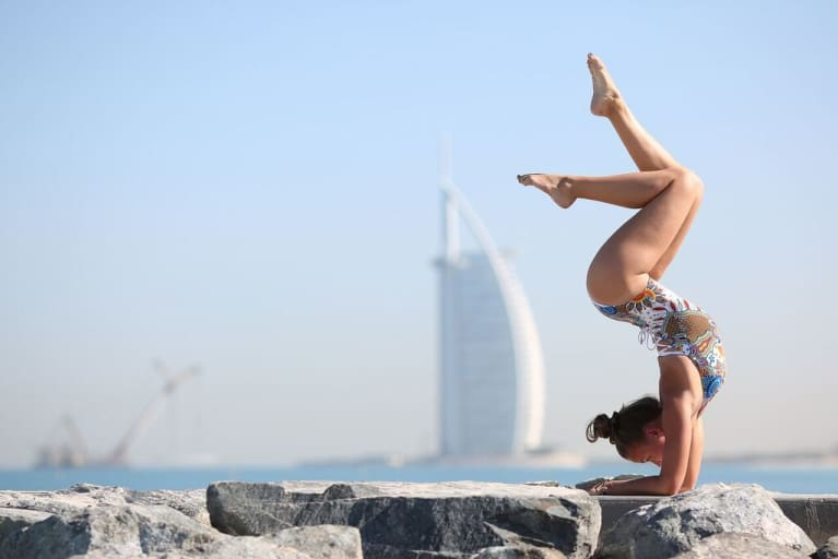 Yoga In Dubai: 15 Beautiful Photos Of The City's Yogis