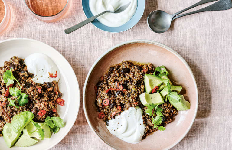 This One-Pot Chili Is The Perfect Filling, Inflammation-Fighting Meal For Fall