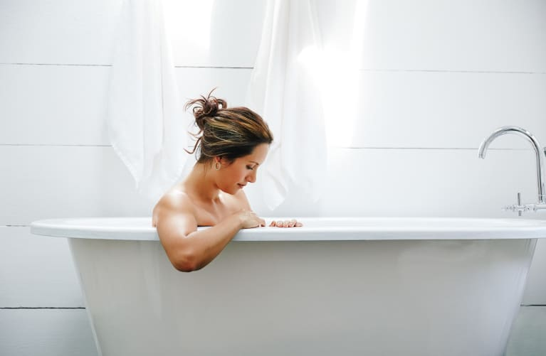 A Soothing Ginger & Epsom Salt Bath To Try When You Have A Cold