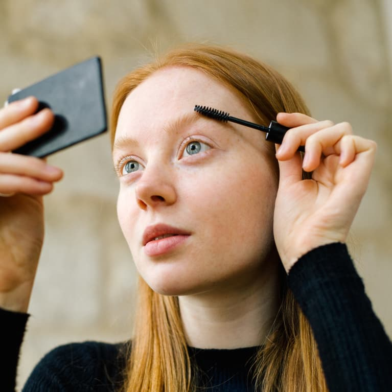 Oh, This Is How You Should *Actually* Trim Your Eyebrows: A 6-Step Expert Guide