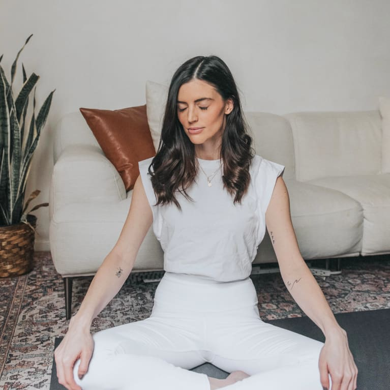 6 Grounding Ways To Start Your Day (From A Mindfulness Pro)