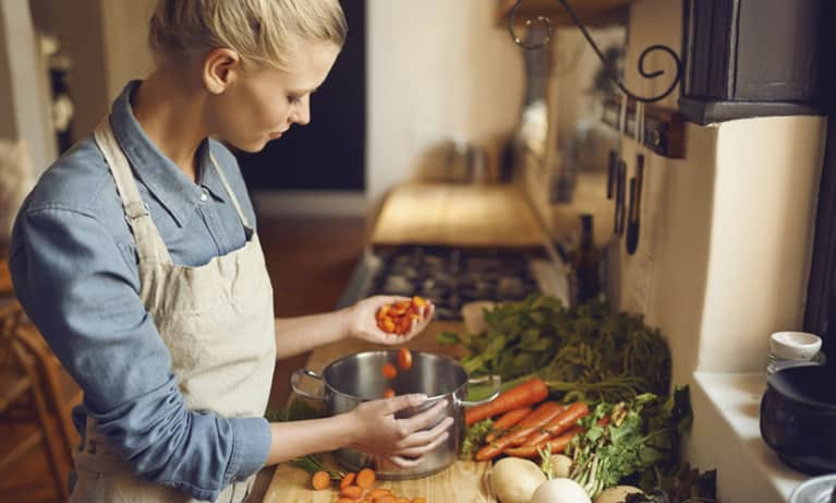 Can Veganism Lead To Eating Disorders? A Nutritionist Weighs In