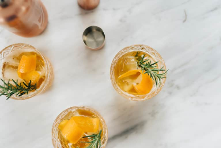 Healthy Ways To Navigate Your Holiday Party's Bar (10 Wellness Experts Weigh In)