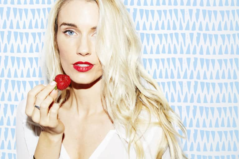 How The Co-Founder of Sakara Life Gets Her Glow