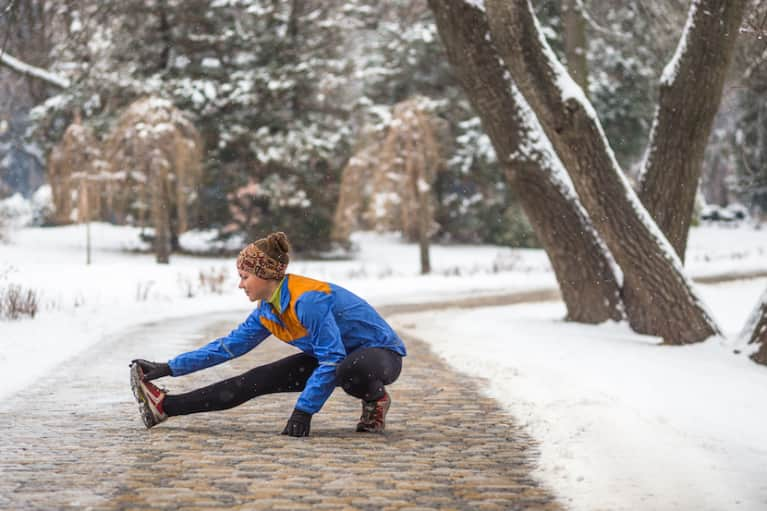 Why You Should Work Out In Cold Weather: A Doctor Explains