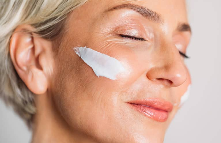Read Up: The Best Glow-Inducing Skin Care Tips For Your 40s & Beyond