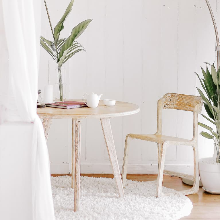 How Feng Shui Can Help You Keep Clutter Out Of Your Home — For Good