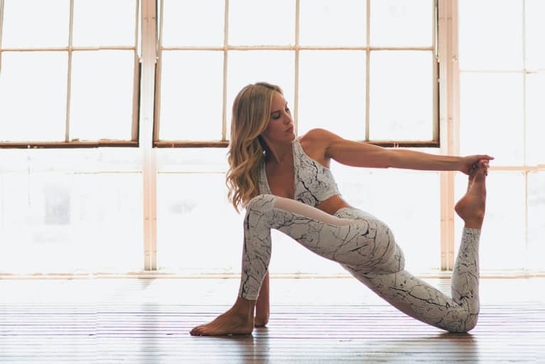 The Simple Yoga Routine ALL Runners Should Be Doing