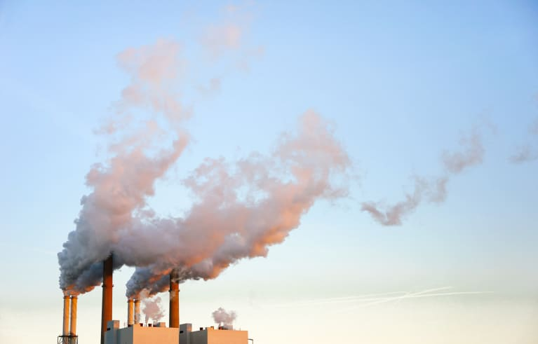 Can Pollution Damage Your Eyes? New Study Says Yes