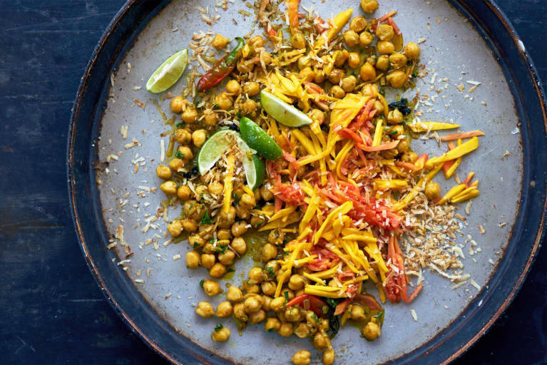 This Protein-Packed Chickpea Recipe Is The Perfect Immune-Building Winter Meal