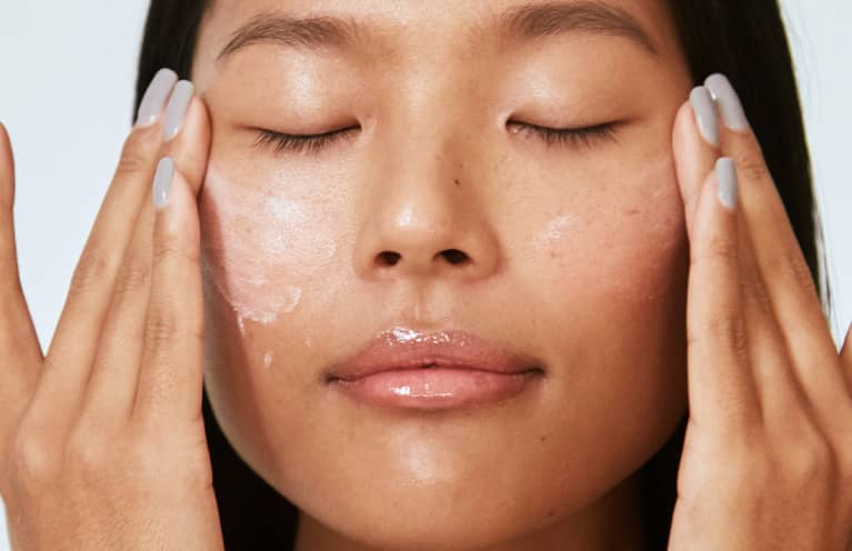 These Not-So-Secret Ingredients Are Your Ticket To Hydrated, Juicy Skin