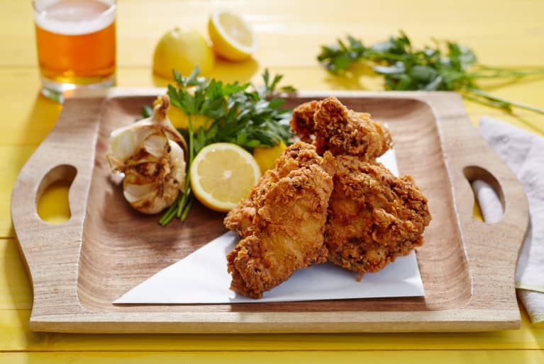 Crunchy Fried Chicken Wings with Lemon and Garlic
