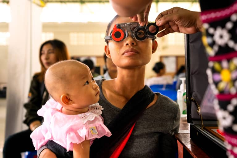 6 Daily Habits That Are Probably Affecting Your Eyesight, According To An Optometrist