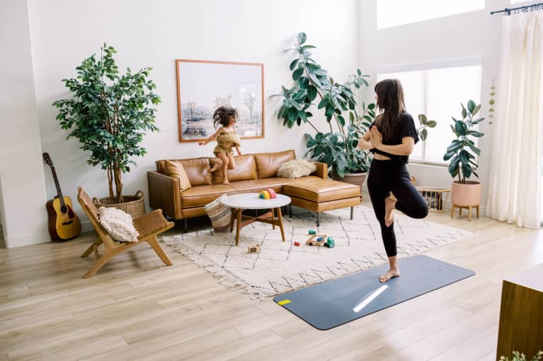 The Gift Guide For Mindful Moms: 6 Unique Ideas She'll Love