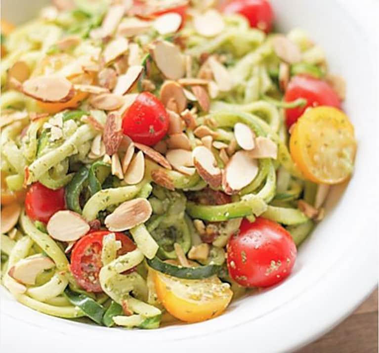 Spinach + Garlic Spaghetti Squash Pasta (Health Coach Approved!)
