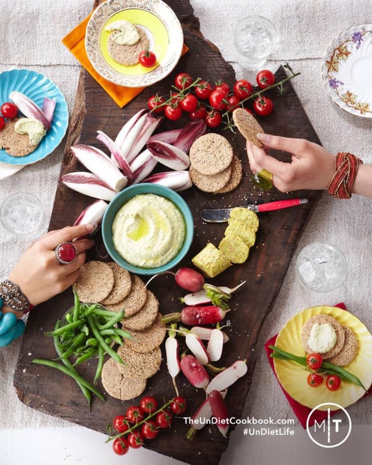Raw Creamy Zucchini Hummus