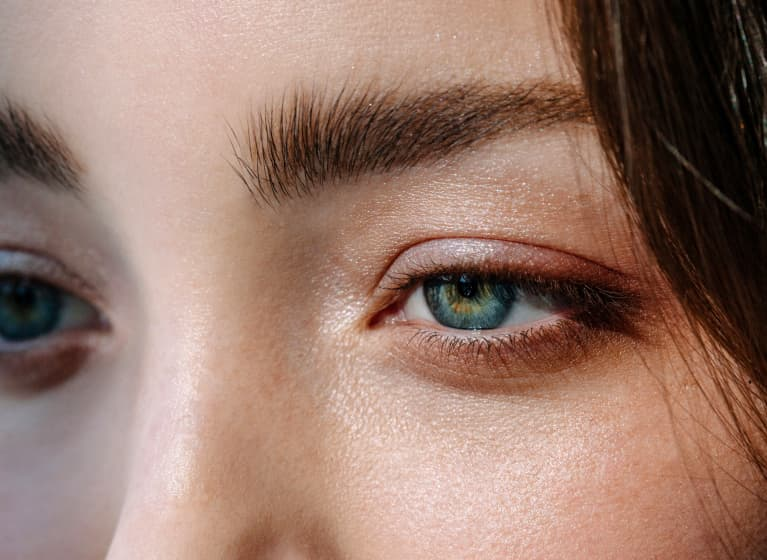 Dewy eyelids