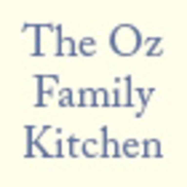 The Oz Family Kitchen by Lisa Oz